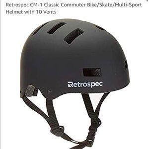NWOT Matte black Retrospec bike helmet in large